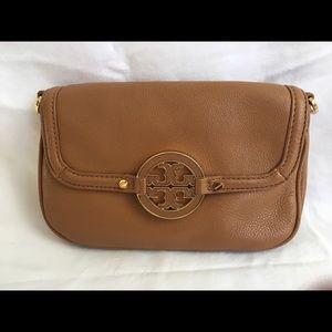 613dd9afb9a4a5 Tory Burch Bags - Tory Burch Amanda Mini Messenger Bag